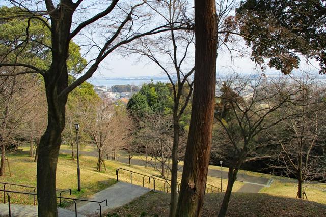 茶臼山古墳から琵琶湖を望む