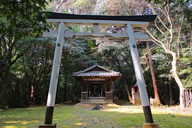 茶臼山古墳・秋葉神社