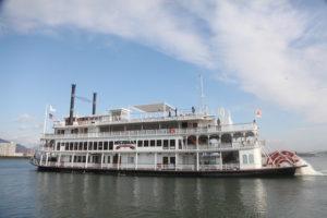 琵琶湖遊覧船「ミシガン」